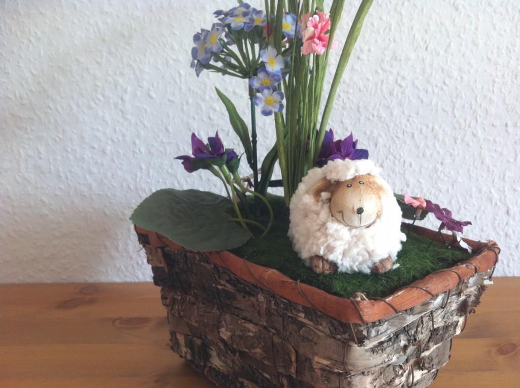 Insel-Schaf träumt von Ostern