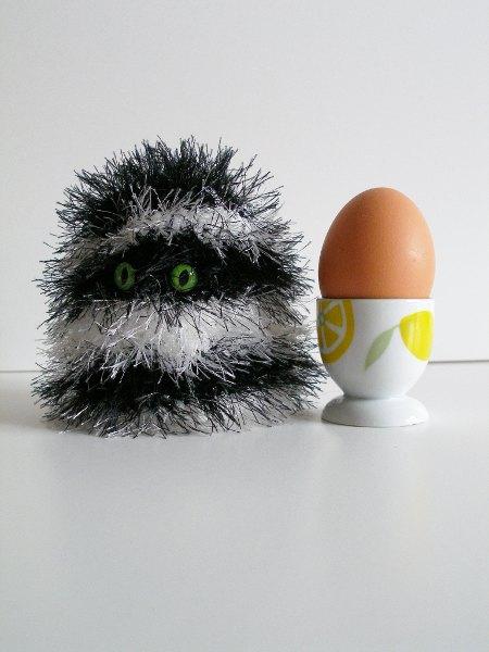 Eierwärmer schwarz-weiß