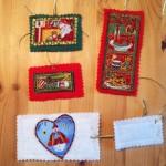 Drittens: Handgefertigte Geschenkanhänger mit Motiven aus Baumwollstoff, Filz - das ist die Rückseite