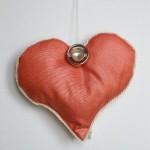 Herz mit Knopf Vorderseite