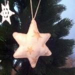 Anhänger Stern, aus Baumwolle mit Sternen bedruckt